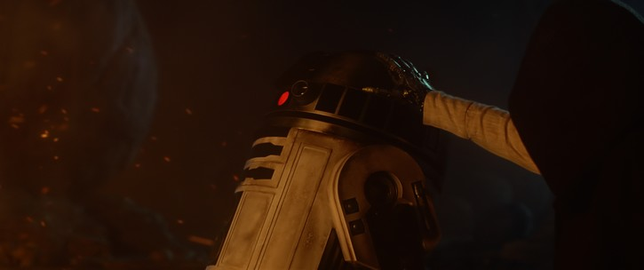 http://www.starwars-universe.com/images/dossiers/episode7/teaser2/08_.jpeg