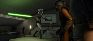 Ahsoka protège Padmé contre une tentative d