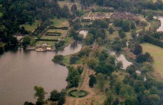 vue aérienne du château d'Hever