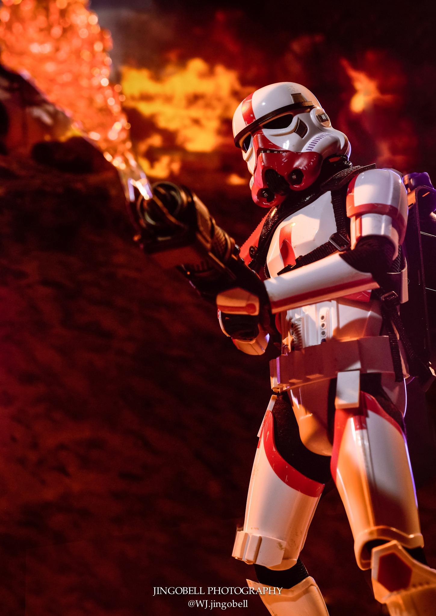 Hot Toys <a href='/organisation-1109-incinerator-stormtrooper.html' class='qtip_motcle' tt_type='organisation' tt_id=1109>Incinerator Stormtrooper</a> Final