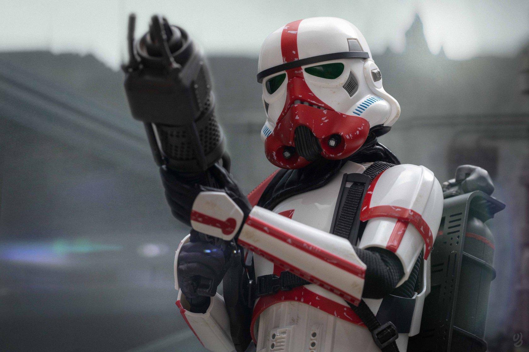 Hot Toys Incinerator Stormtrooper Final