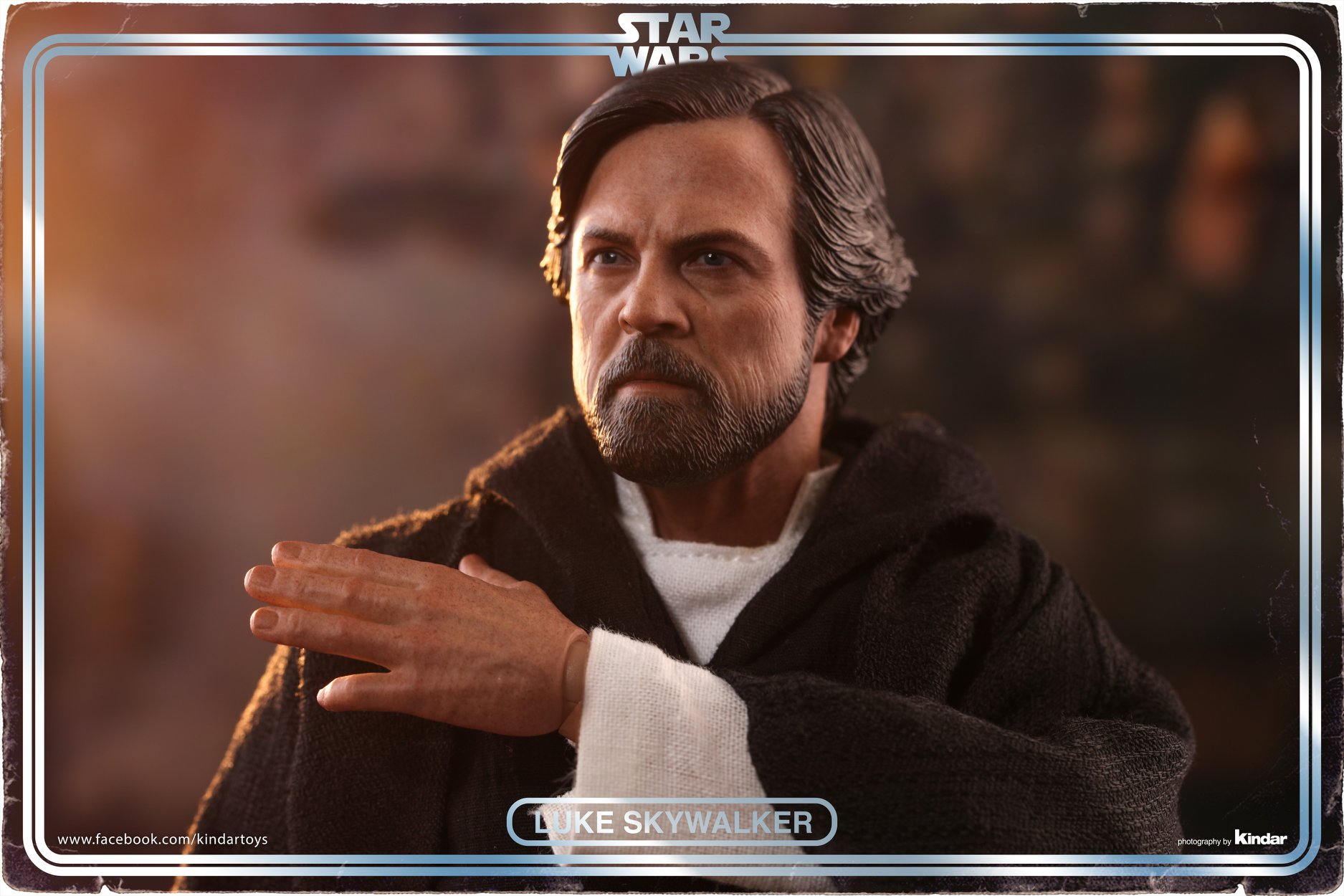 Hot Toys Luke Skywalker Crait 4