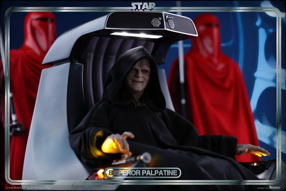 Hot Toys Emperor 4