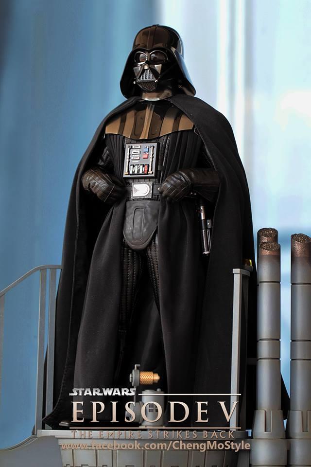 Hot Toys Darth Vader Episode V 3