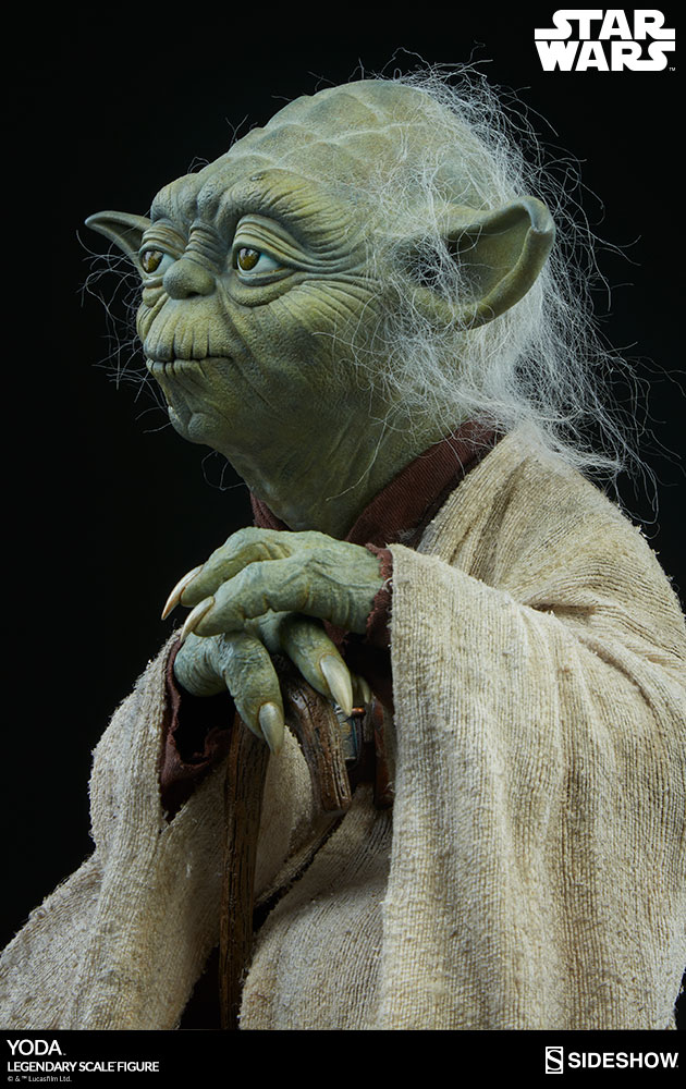 Sideshow Yoda Legendary Scale 6