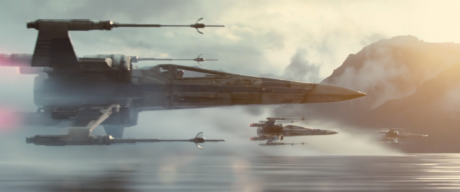 https://www.starwars-universe.com/images/actualites/disneylogie/teaser/escadron-x-wing.jpg