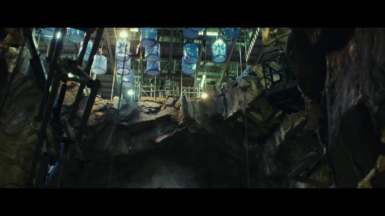 https://www.starwars-universe.com/images/actualites/episode8/bts/vlcsnap-2017-07-16-19h35m22s546.jpg