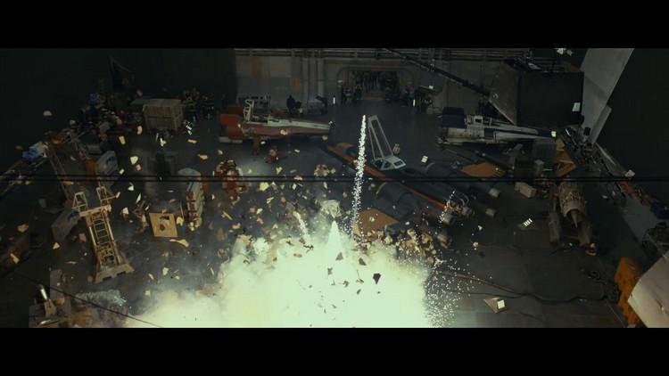 https://www.starwars-universe.com/images/actualites/episode8/bts/vlcsnap-2017-07-16-19h38m18s830.jpg