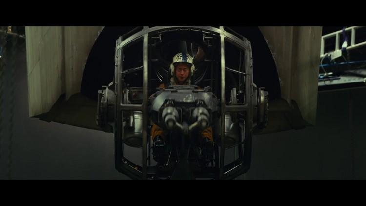 https://www.starwars-universe.com/images/actualites/episode8/bts/vlcsnap-2017-07-16-19h43m38s247.jpg