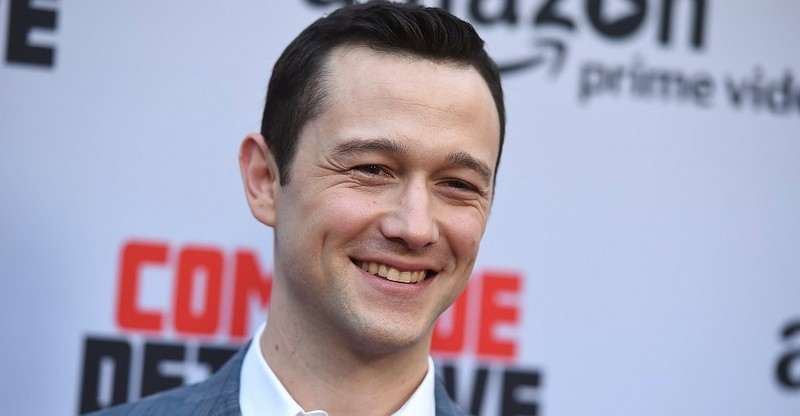 https://www.starwars-universe.com/images/actualites/episode8/gordon_levitt.jpg