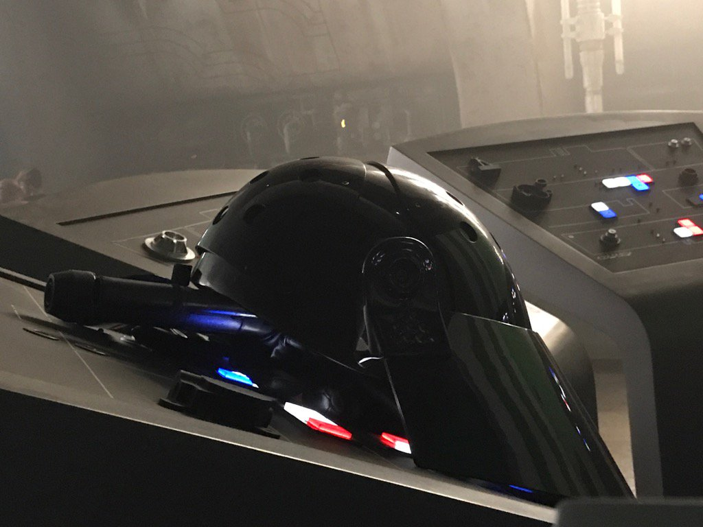 https://www.starwars-universe.com/images/actualites/spinoff/tournage_casque.jpg