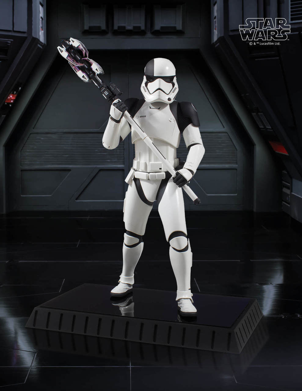 Gentle Giant Executioner Trooper Statue 2