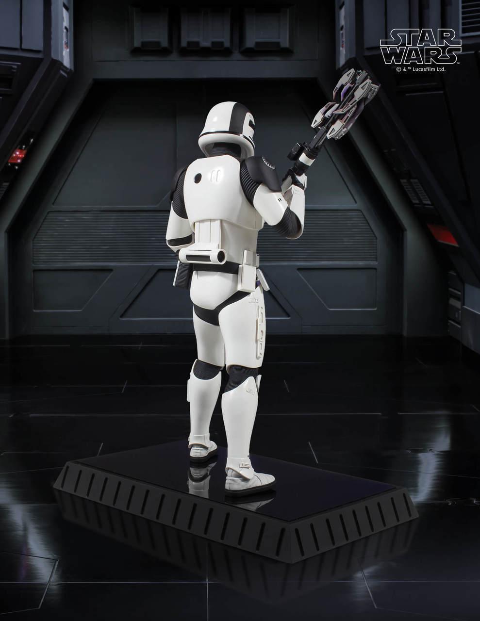 Gentle Giant Executioner Trooper Statue 4