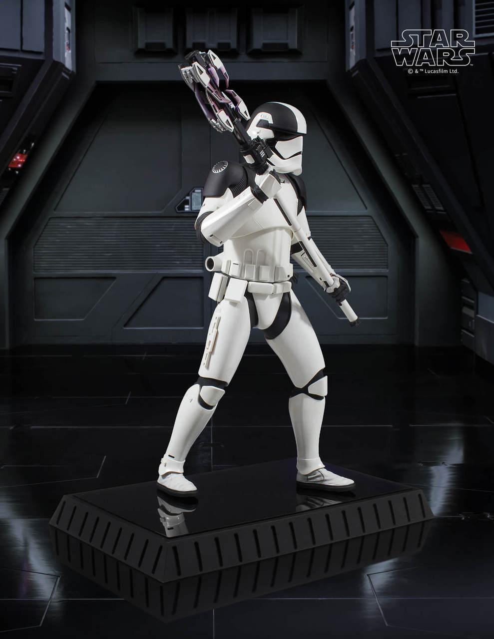 Gentle Giant Executioner Trooper Statue 5