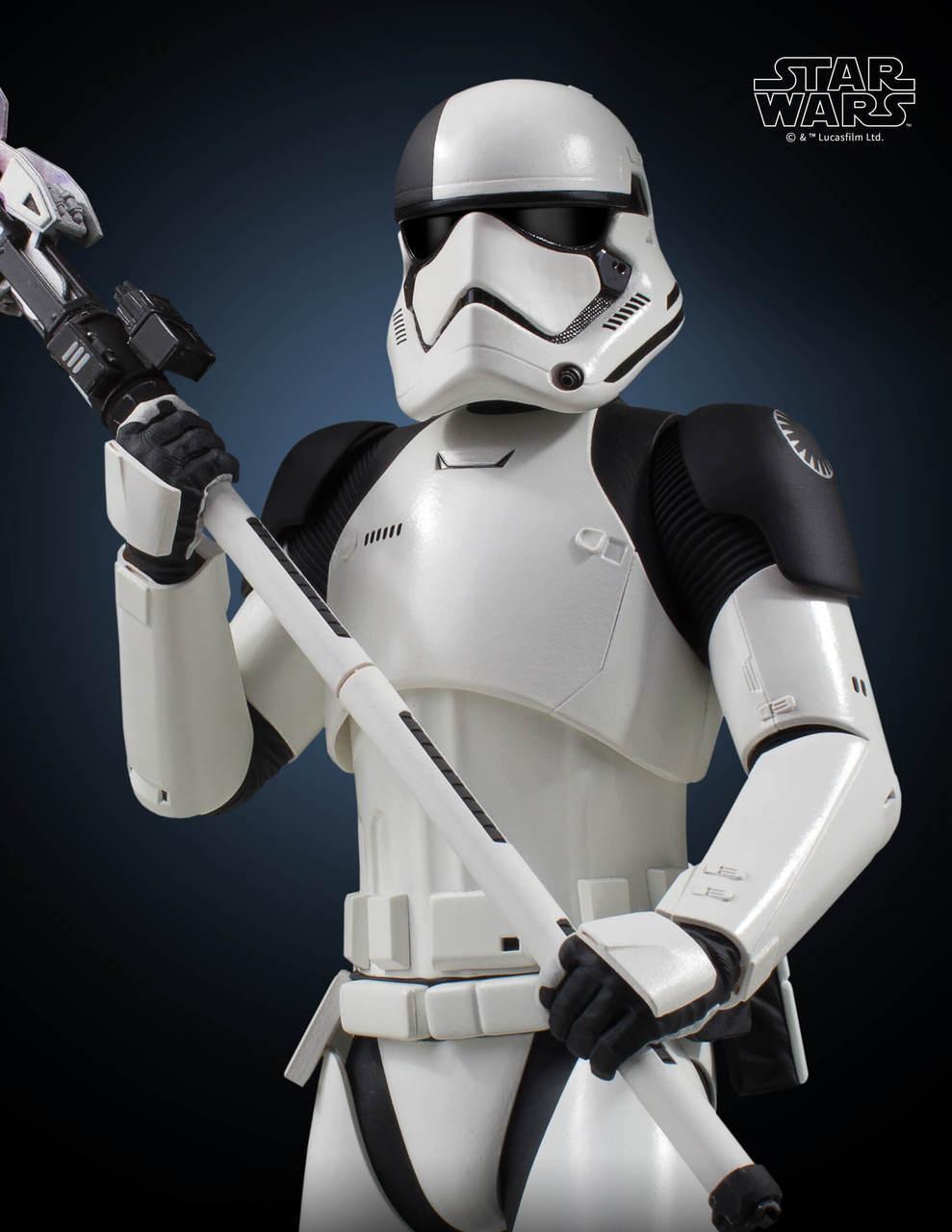 Gentle Giant Executioner Trooper Statue 6