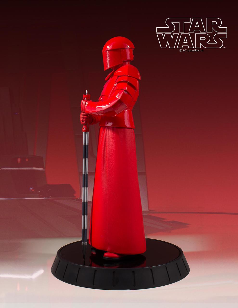 Gentle Giant Praetorian Guard Statue 3
