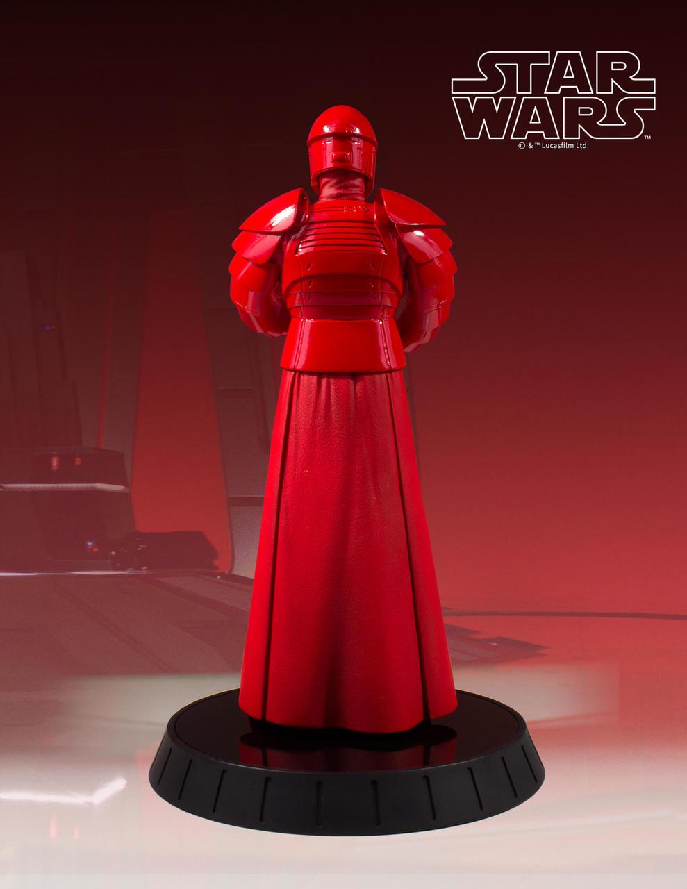 Gentle Giant Praetorian Guard Statue 4
