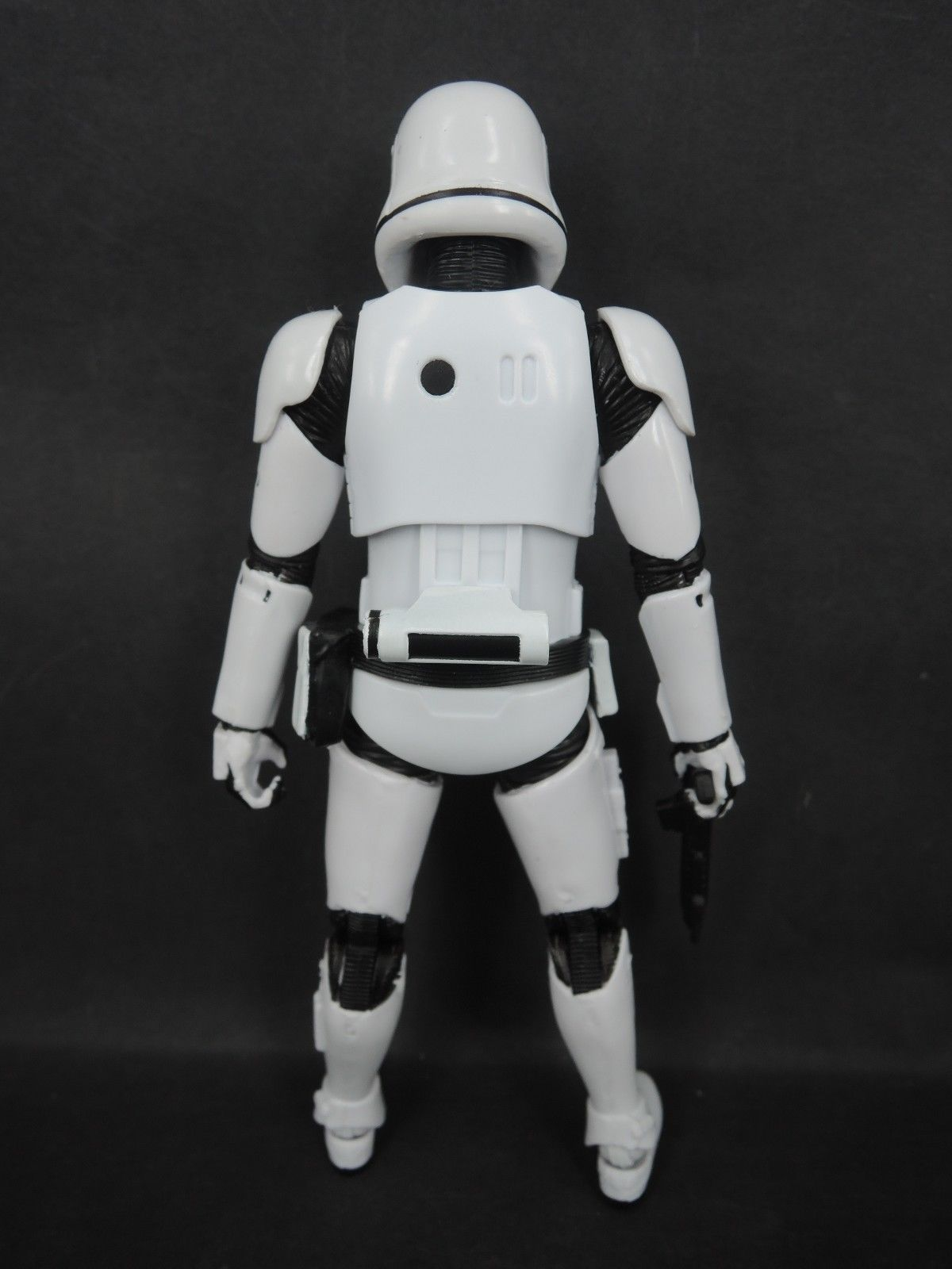04_first-order<br />-stormtrooper-2.jpg