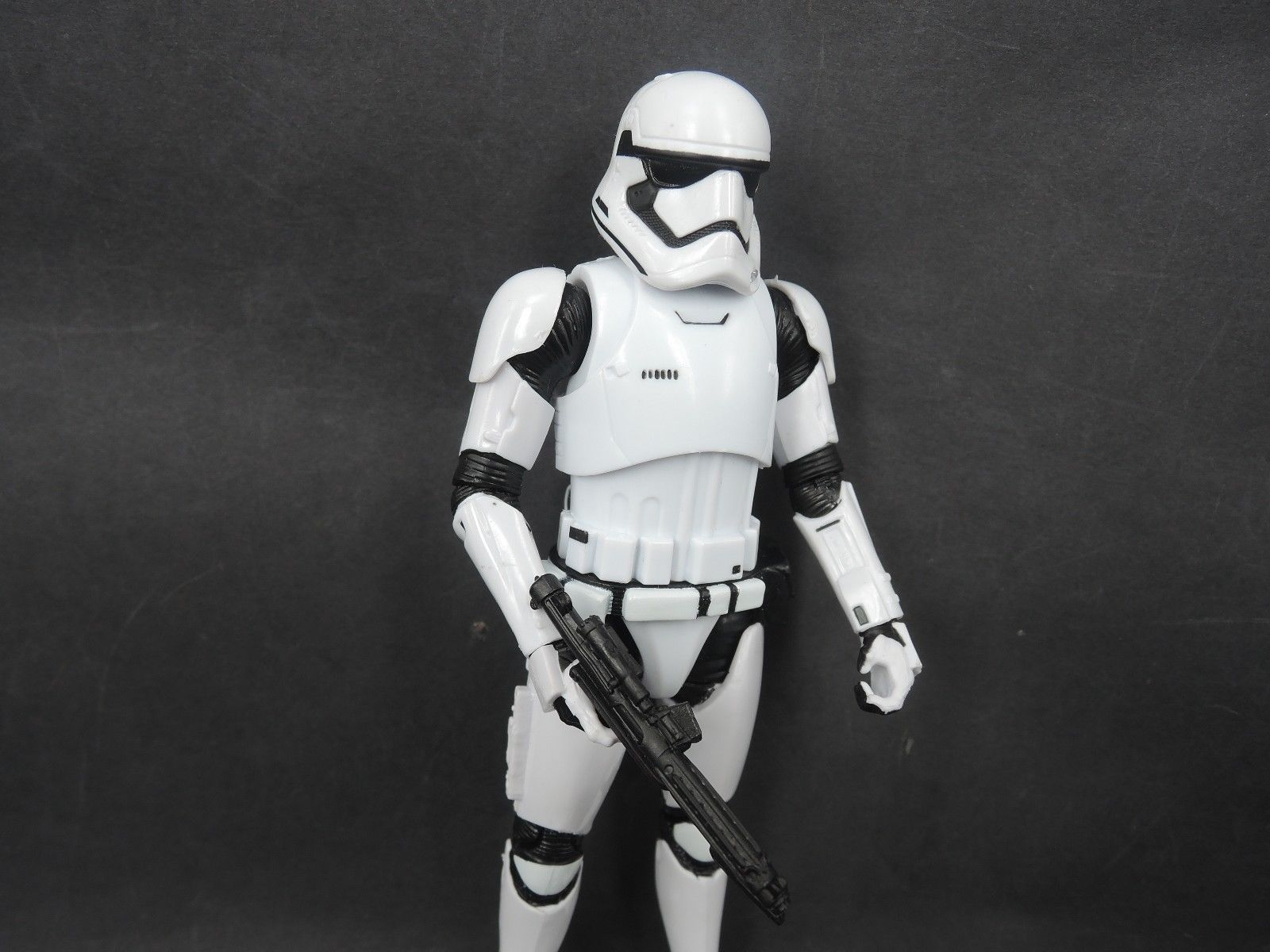 04_first-order<br />-stormtrooper-3.jpg