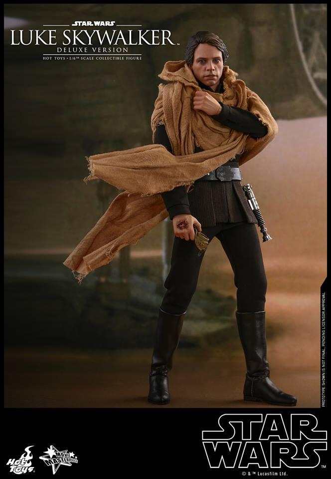 Hot Toys Luke Skywalker Deluxe 1