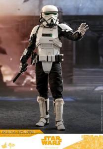 Hot Toys Patrol Trooper <a href='/livre-2357-solo-a-star-wars-story.html' class='qtip_motcle' tt_type='livre' tt_id=2357>Solo: A Star Wars Story</a> 1