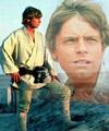 Luke Skywalker observant les soleils jumeaux de sa planète