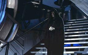 Dans la salle du trône, Palpatine s apprête à foudroyer Luke