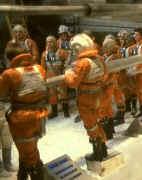Un groupe de pîlote rebels juste avant l'évacuation de la base <a href='/personnage-1586-echo.html' class='qtip_motcle' tt_type='personnage' tt_id=1586>Echo</a> sur Hoth