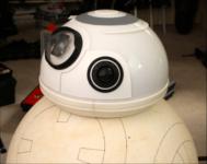 Le BB-8 dans sa phase d'assemblage