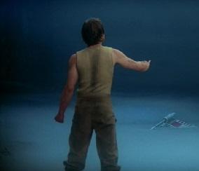 Luke utilisant La Force pour sortir son vaisseaux des marécages