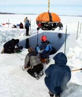 Le robot Endurance sur le point d'entrer dans la glace