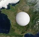 Montage à échelle d'Encelade posée sur la France