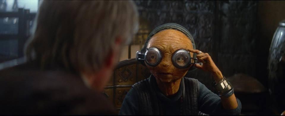 Maz Kanata en discussion avec Han Solo