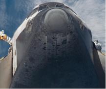 la fameuse tuile HRSI de la navette spatiale constituée notamment de fibres de silice et d'une couche de borosilicate © NASA