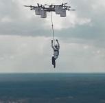 Premier saut d'un drone de l'Histoire (voir vidéo) © Aerones