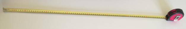 Un mètre ruban métallique