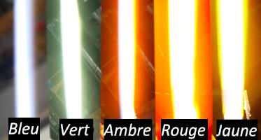 Les différentes couleur de lames possibles, grâce aux sels © Hacksmith Industries